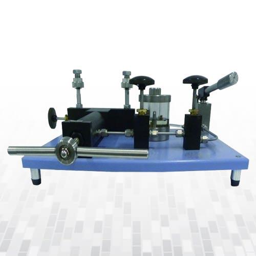 ak675-hidrolik-karsilastirici-komparator